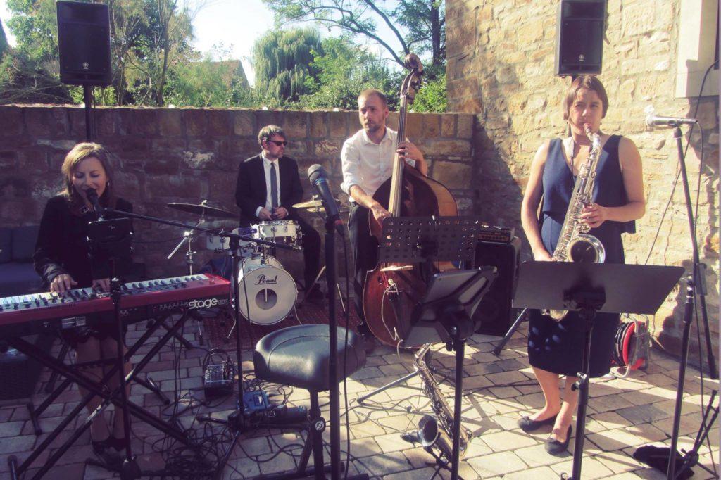 Band für Hochzeit, Firmenevent, Sängerin, Saxophon, Piano, Kontrabass